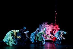 """להקת הריקודים הפרובינציאליים / פסטיבל מ. ארט/ """"חתונה"""" ו""""ספיה"""" מאת טטיאנה בגנובה/ עיצוב תאורה: נינה אינדריקסון/מרכז סוזן דלל/ 24.2/ ביקורת מחול מאת רות אשל"""